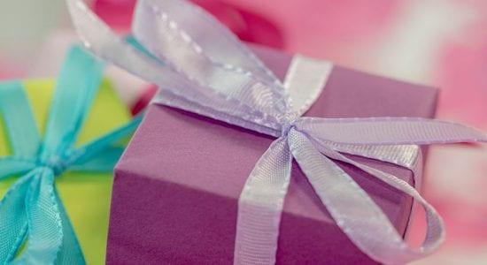 Werbegeschenke, Lilane Geschenkbox mit Schleife